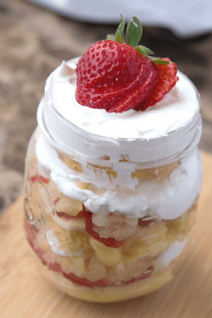 If you love fresh fruits why not try this strawberry banana pineapple cake recipe to keep cool this summer. Is a simple recipe the entire family and friends will love!