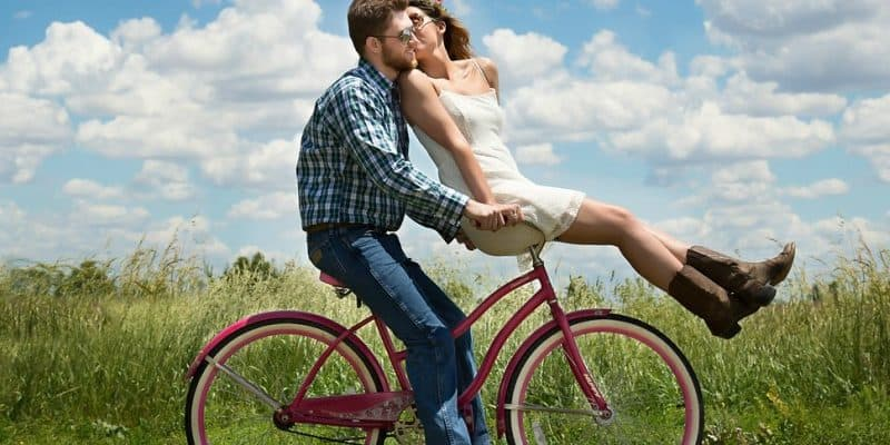 12 Fun and Cheap Outdoor Date Ideas